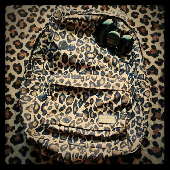 c6c0f061c112 Loungefly Hello Kitty Leopard Cheetah Backpack Bag.  M_5a6d174fa44dbef2782c6c76